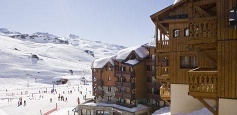 montagnettes-hameau-du-soleil-wintersport-appartement-exterieur.jpg