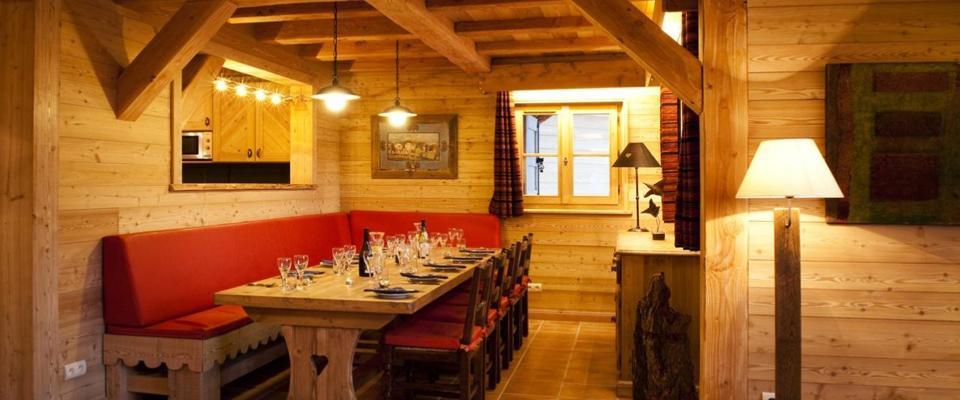 Le Village Catered Chalet Le Manoir Alpe D'huez Wintersport